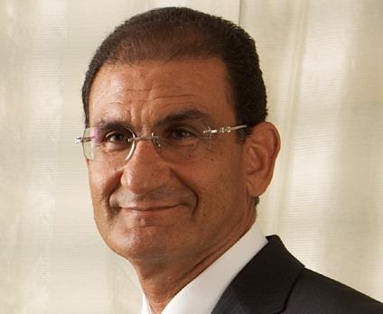 مدحت خليل، رئيس مجلس إدارة شركة راية القابضة