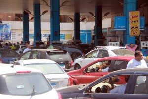 ازمة البنزين - أرشيفية