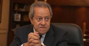 منير فخرى عبد النور ,, وزير الصناعة