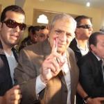 رئيس الوزراء ابراهيم محلب اثناء التصويت علي انتخابات الرئاسة