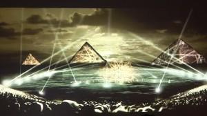 الصوت والضوء بالاهرامات