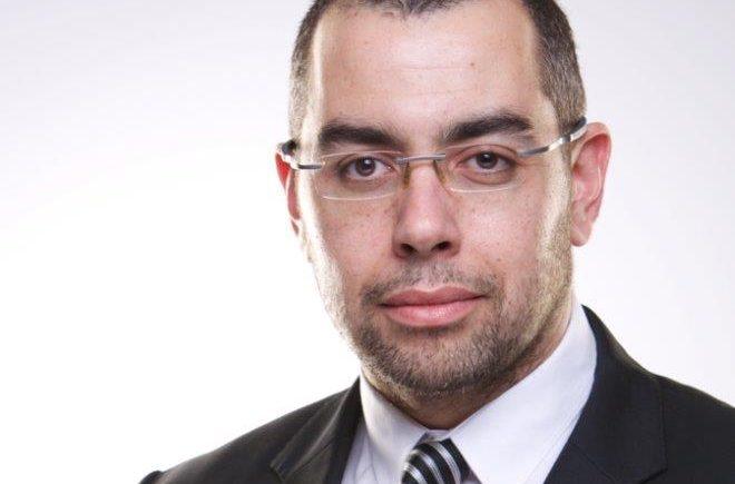 محمد فؤاد الخبير الاقتصادي