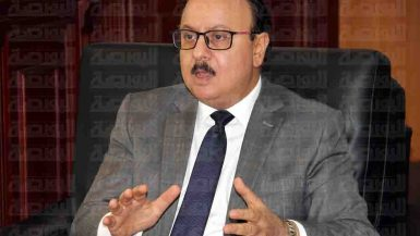 ياسر القاضى وزير الاتصالات