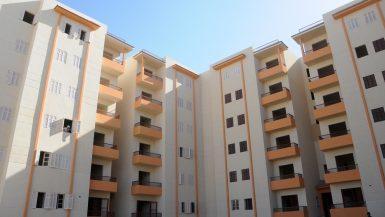 جولة لوزير الإسكان بمشروعى الإسكان الاجتماعى والمتوسط بمدينة 6 أكتوبر (10)