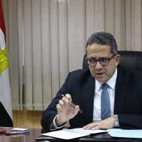 خالد العنانى وزير الاثار