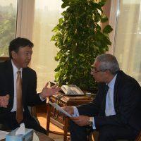 وزير الصناعة والسفير اليابانى