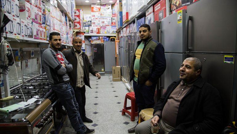 """معدلات تخفيض الأسعار بمحال """"شارع عبدالعزيز"""" لا تجذب المستهلكين"""