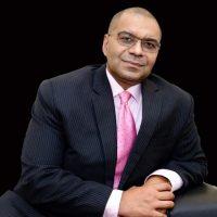 أندرو آلي، الرئيس التنفيذي للمؤسسة