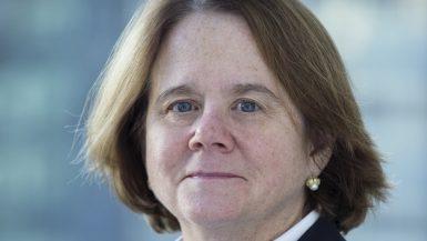 جانيت هيكمان المدير التنفيذى لمنطقة جنوب وشرق المتوسط بالبنك الأوروبى