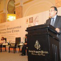 وزير الإسكان يفتتح مؤتمر الابتكارية فى بناء المدن (1)