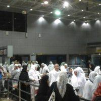 المعتمرين بمطار القاهرة