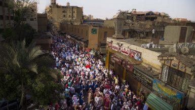 مسيرة مهرجان الطبول في شارع المعز (4)