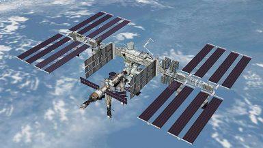 الاقمار الاصطناعية والمركبات الفضائية
