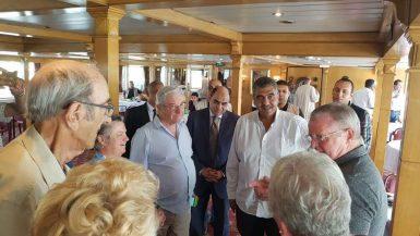 أشرف الشرقاوى مع الفوج السياحى