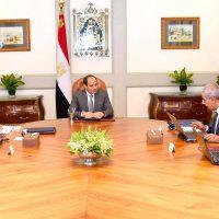 اجتماع الرئيس مع وزيرى التجارة والصناعة والنقل
