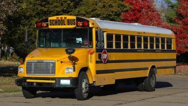 نقل طلاب المدارس