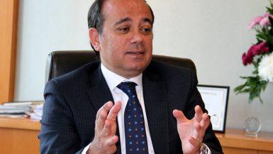 محمد على الرئيس التنفيذى العضو المنتدب لمصرف أبوظبى الإسلامى (2)