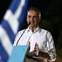 رئيس الوزراء اليونانى كيرياكوس ميتسوتاكيس