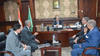 محافظ المنيا أسامة القاضي مع رئيس مجلس إدارة هيئة تنمية الصعيد