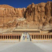السياحة ؛ الآثار