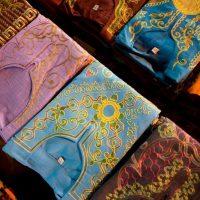المنسوجات ؛ الملابس ؛ الغزل والنسيج ؛ الأقمشة