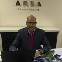 وليد أحمد مدير قطاع المبيعات بشركة اربا للتطوير العقارى