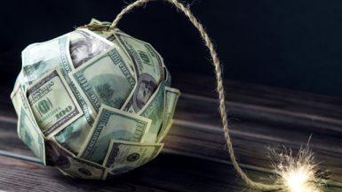قنبلة الديون العالمية