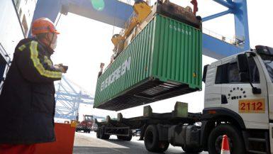 الصين ؛ التجارة ؛ الصادرات و الواردات الصينية