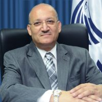 الطيار رشدي زكريا رئيس الشركة القابضة لمصر للطيران
