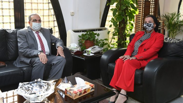 ياسمين فؤاد وزيرة البيئة و محمد مرسى وزير الإنتاج الحربى