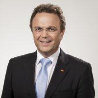 نائب رئيس البوندستاغ الألماني هانز- بيتر فريدريش