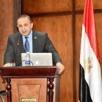 أحمد كمالى نائب وزيرة التخطيط لشؤون المتابعة
